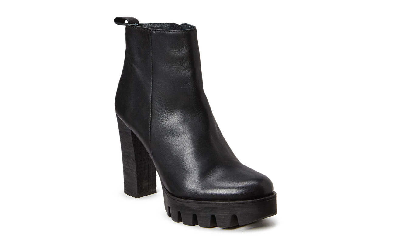 Shoe Biz Boot with Plateau High Heel - BLACK