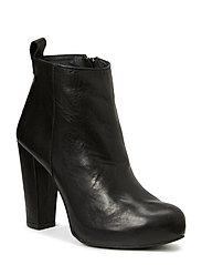 High Heeled Boots