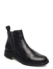 Short boot with fur & zip