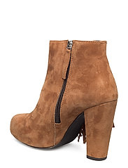 High Heeled Short Boot with fringes