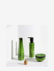 Shu Uemura Art of Hair - Silk Bloom Shampoo - shampoo - clear - 2