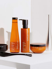 Shu Uemura Art of Hair - Urban Moisture Conditioner - balsam - clear - 4
