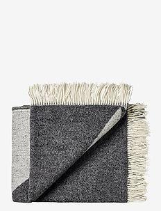Campaign Focus Twill 130x190 cm - blankets - 1041 dark grey