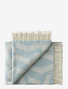 Dashes 130x190 cm - blankets - 7306 white blue