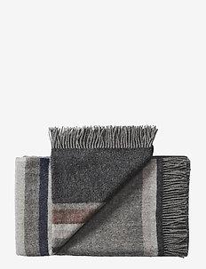 Lyø 140x240 cm - filtar - 0836 grey dark grey