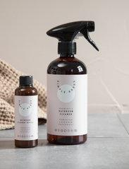 Simple Goods - Refill Bathroom Cleaner, Geranium, Lavender, Patchouli - Övrigt diskning & städning - clear - 1