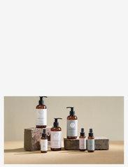 Simple Goods - Hand Cleanser, Geranium, 50 ml - kroppsvård - clear - 1