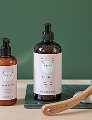 Simple Goods - Hand Cream, Geranium, Lavender, Patchouli, 250 ml - handkräm & fotkräm - clear - 7