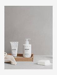 Skandinavisk - LEMPI Hand Lotion - käsivoide ja jalkavoide - white/black - 1