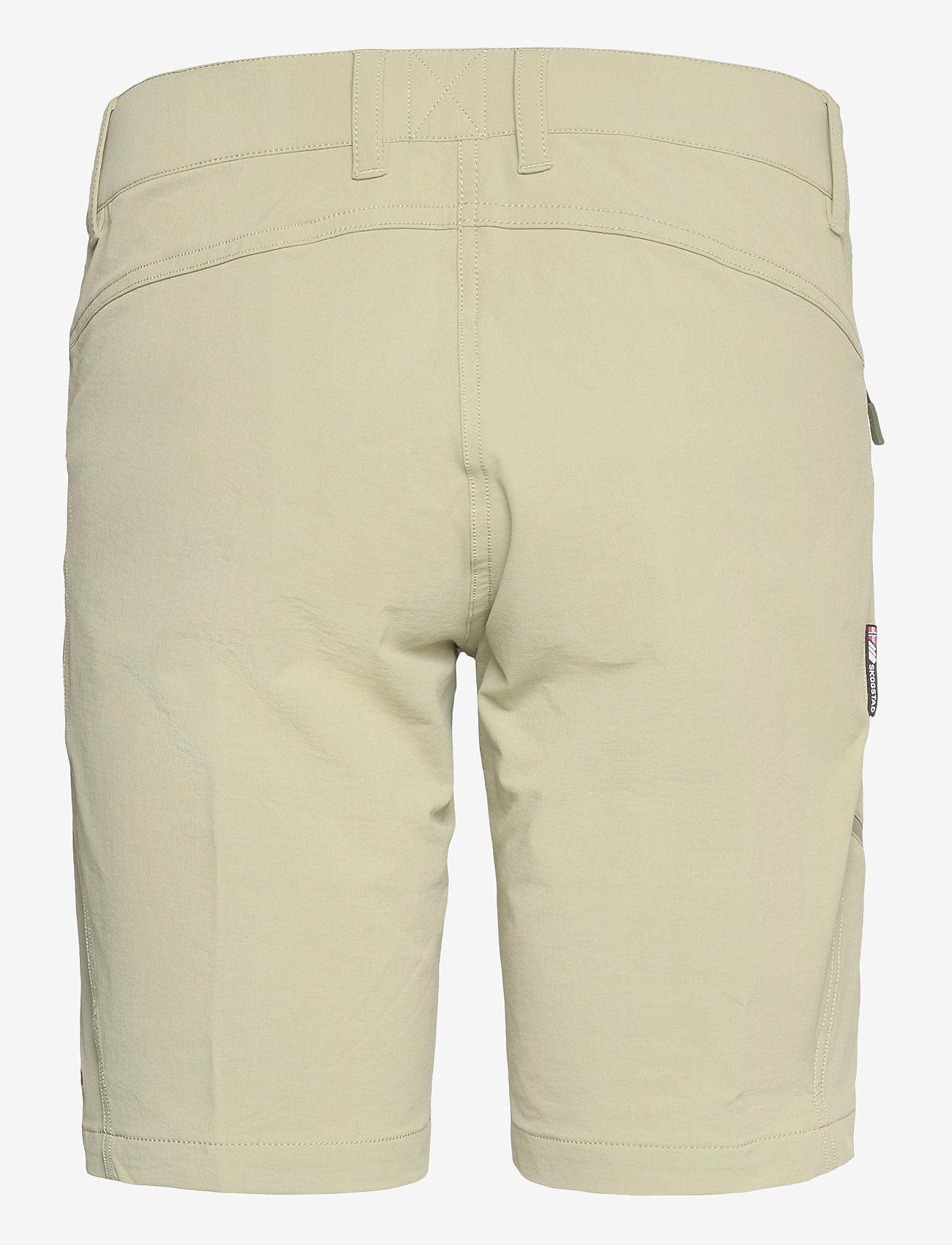 Skogstad - Veotinden   Shorts - short de randonnée - tea - 1