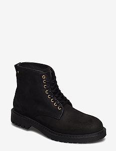 Sharp Suede Shoe - BLACK