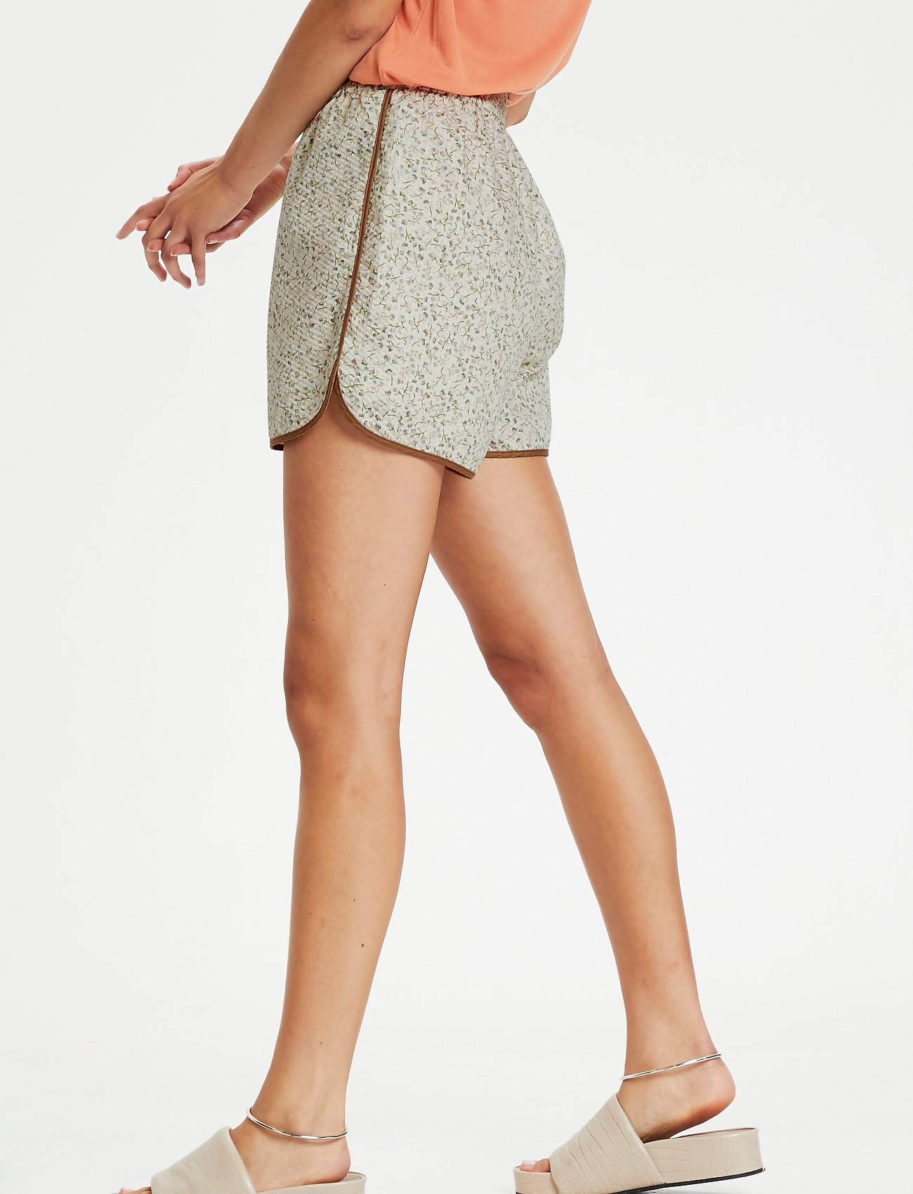 Soaked in Luxury - SLBanks Shorts - shorts casual - viol print whisper white - 0