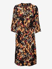 Soaked in Luxury - SL Zaya Dress - vardagsklänningar - dizzy floral print black - 1