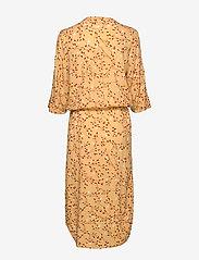 Soaked in Luxury - SL Zaya Dress - midi kjoler - rattan  - 2