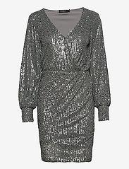 Soaked in Luxury - SLNicole Dress - paljettkjoler - silver - 0