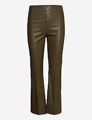 Soaked in Luxury - SLKaylee PU Kickflare Pants - skinnbyxor - military olive - 0