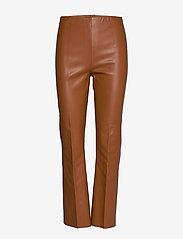 Soaked in Luxury - SLKaylee PU Kickflare Pants - læderbukser - mocha bisque - 0