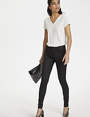 Soaked in Luxury - SLLeia coated Jeggings - slim fit trousers - black - 4