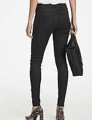 Soaked in Luxury - SLLeia coated Jeggings - slim fit trousers - black - 7