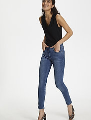 Soaked in Luxury - Callas Jeans - wąskie dżinsy - medium blue denim - 4
