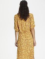 Soaked in Luxury - SL Zaya Dress - midi kjoler - rattan  - 3