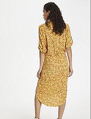 Soaked in Luxury - SL Zaya Dress - midi kjoler - rattan  - 5