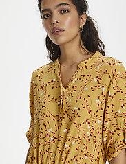 Soaked in Luxury - SL Zaya Dress - midi kjoler - rattan  - 6
