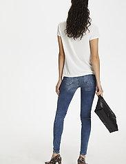 Soaked in Luxury - SLColumbine Tee - t-shirts - broken white - 4