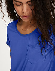 Soaked in Luxury - SLColumbine Tee - t-shirts - dazzling blue - 5