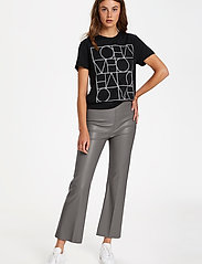 Soaked in Luxury - SLKaylee PU Kickflare Pants - skinnbyxor - brushed nickel - 3