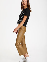 Soaked in Luxury - SLKaylee PU Kickflare Pants - læderbukser - ermine - 3