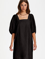 Soaked in Luxury - SLTautou Dress SS - summer dresses - black - 0