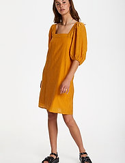 Soaked in Luxury - SLTautou Dress SS - summer dresses - golden nugget - 3
