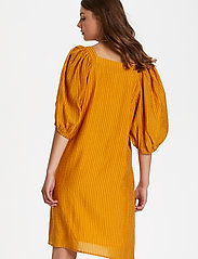 Soaked in Luxury - SLTautou Dress SS - summer dresses - golden nugget - 4