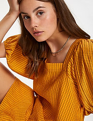 Soaked in Luxury - SLTautou Dress SS - summer dresses - golden nugget - 5