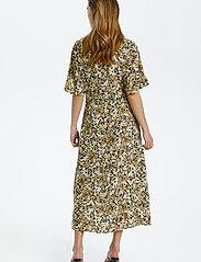 Soaked in Luxury - SLIndiana Rafina Shirt Dress SS - sommarklänningar - multifloral print ermine - 4