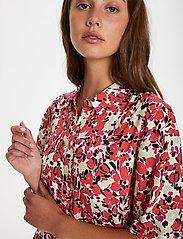 Soaked in Luxury - SLIndiana Rafina Shirt Dress SS - sommarklänningar - multifloral cardinal - 5