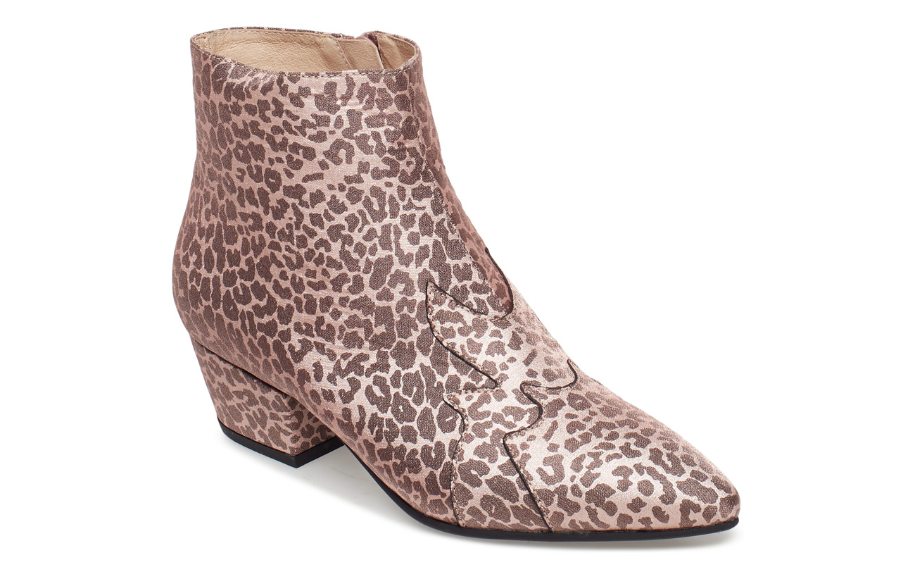 b2ada1632f2 Shoe Stiletto Leo (Leopard) (£92.30) - Sofie Schnoor - | Boozt.com