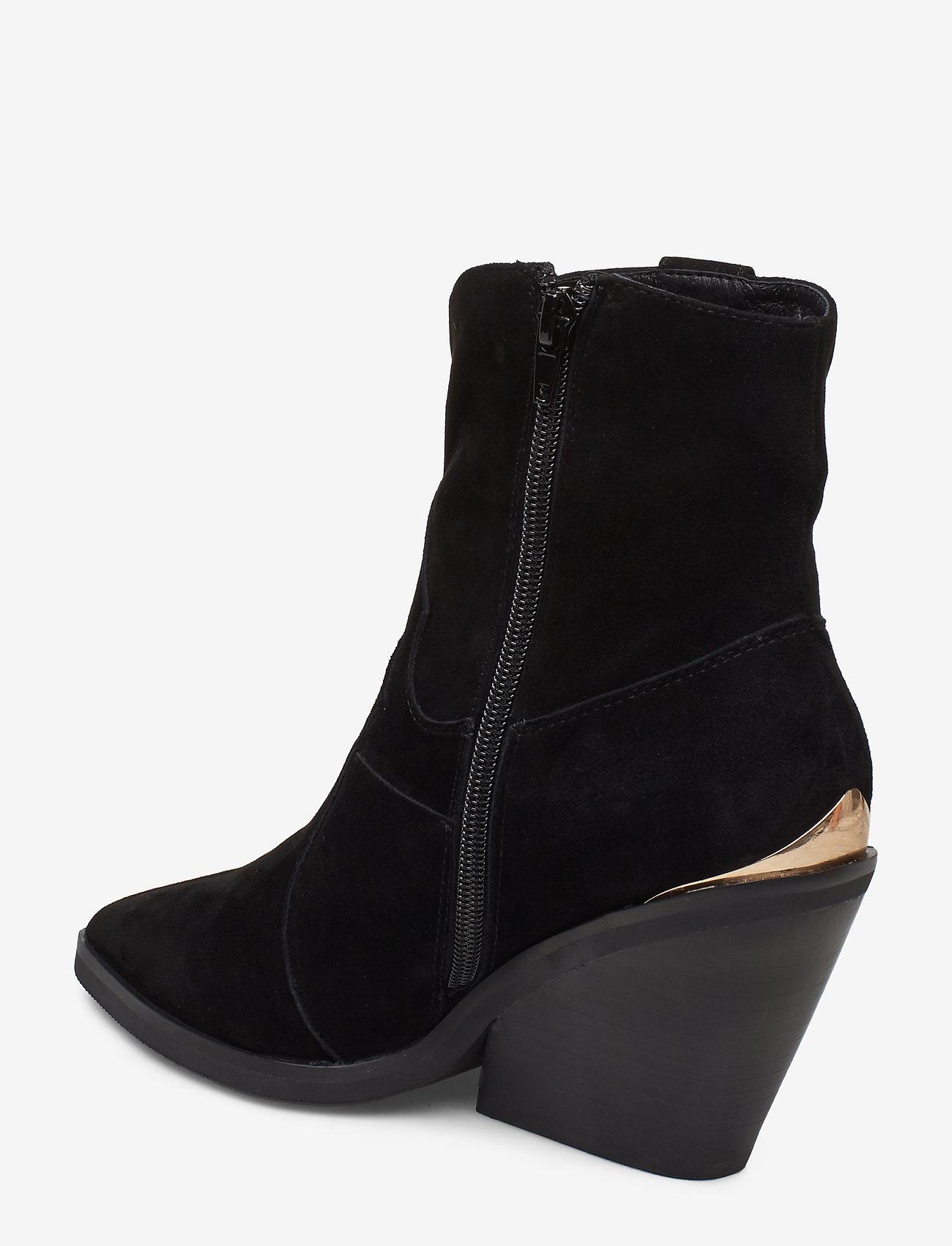 Boot (Black) (1499 kr) - Sofie Schnoor