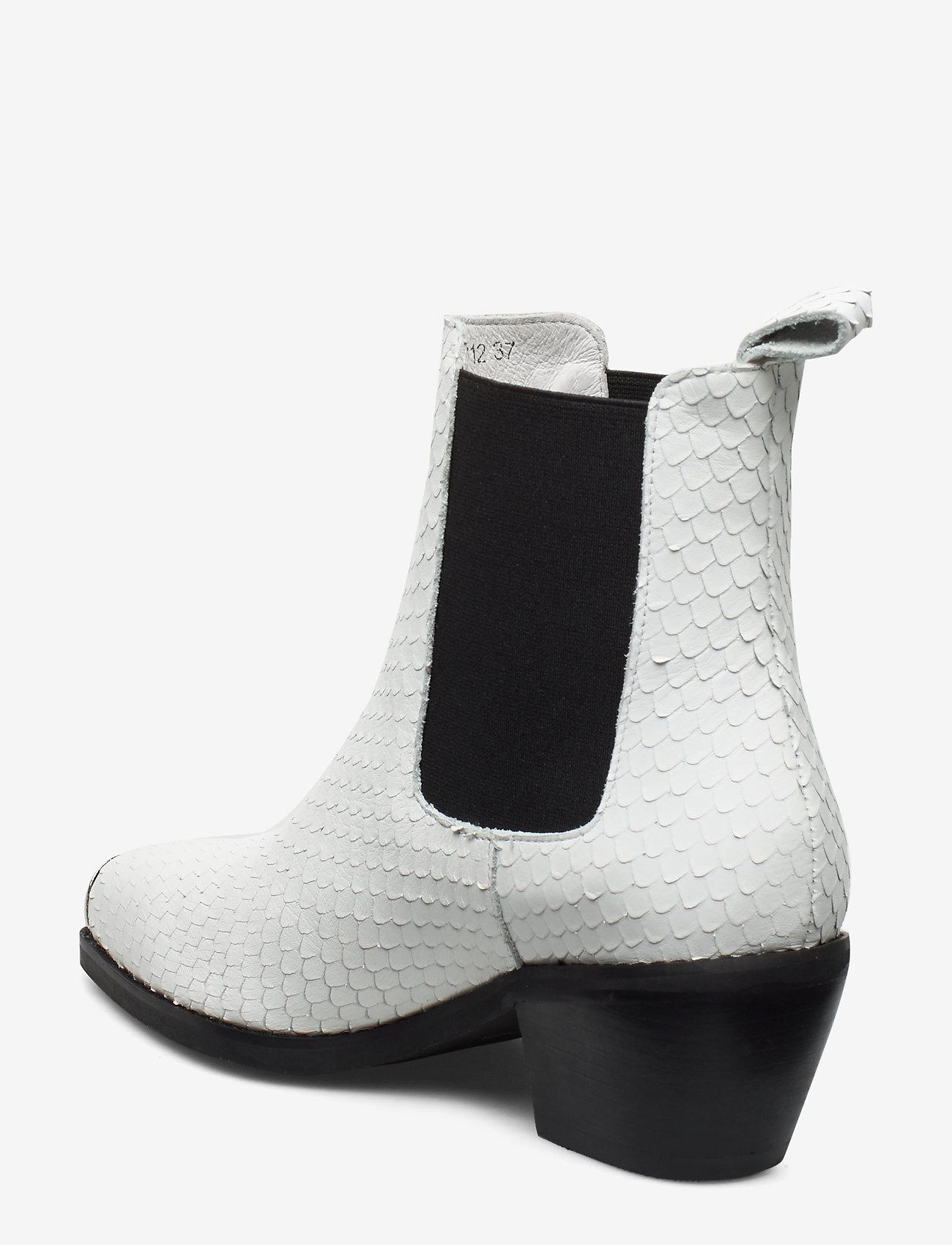 Boot (White) - Sofie Schnoor