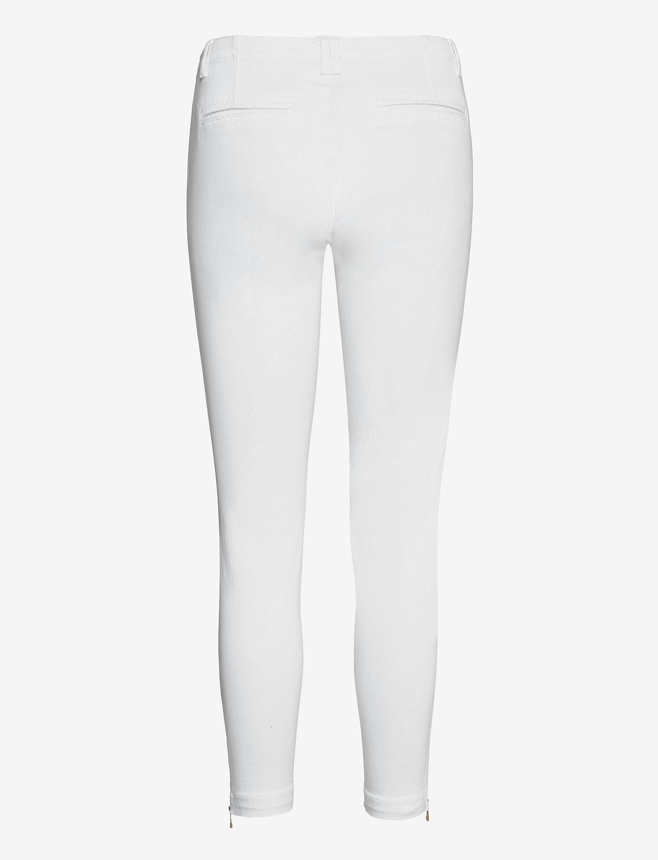 Sofie Schnoor - Pants - slim fit bukser - white - 1