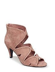 3b88e8d4799c Sofie Schnoor. Dress 124.95 €. Shoe - ROSE