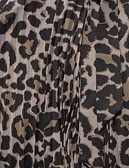 Sofie Schnoor - Skirt - midinederdele - leopard - 3