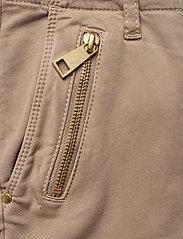 Sofie Schnoor - Pants - slim fit bukser - sand - 4