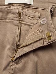 Sofie Schnoor - Pants - slim fit bukser - sand - 5