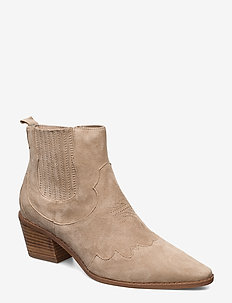 Boot - SAND