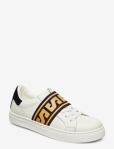 Shoe - low top sneakers - white