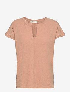 T-shirt - t-shirts - rose