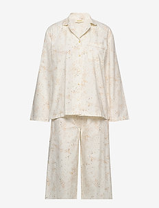 Pajama Woman - pyjamas - fluffy sky, aop mini splash cream