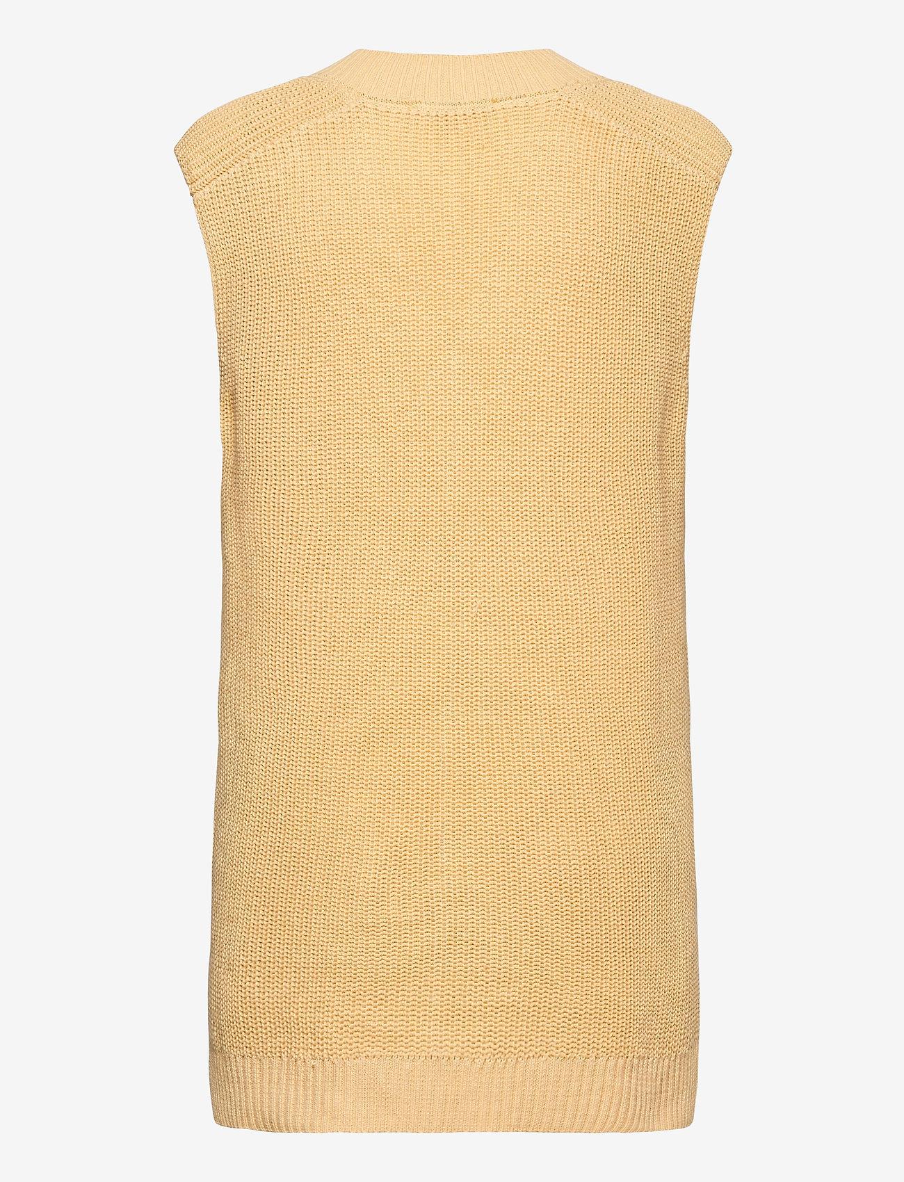 Soft Rebels - SRTammy V-neck Knit Vest - knitted vests - reed yellow - 1
